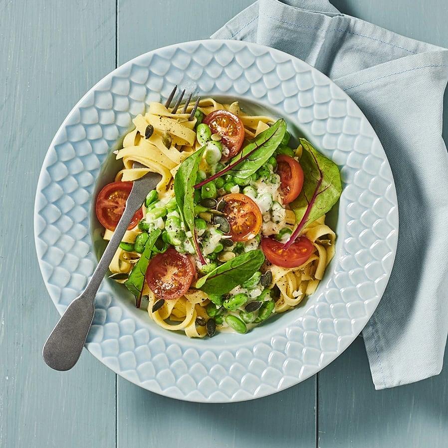 Krämig pasta med sojabönor och pumpakärnor