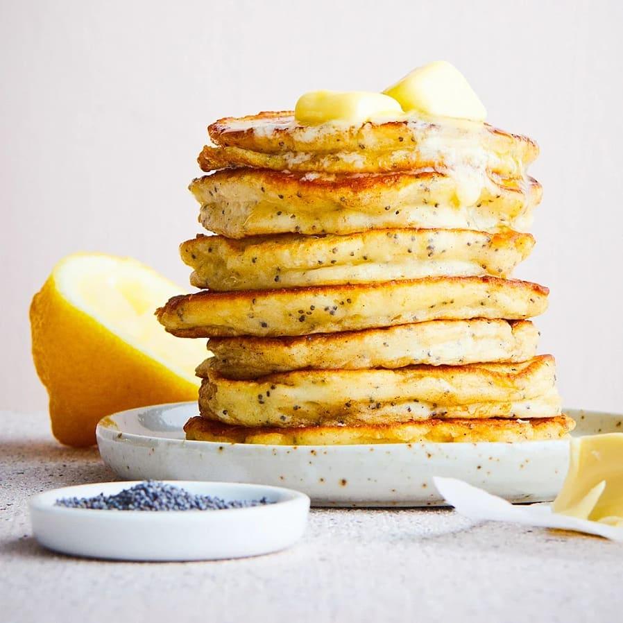 Fluffiga pannkakor med ricotta och citron