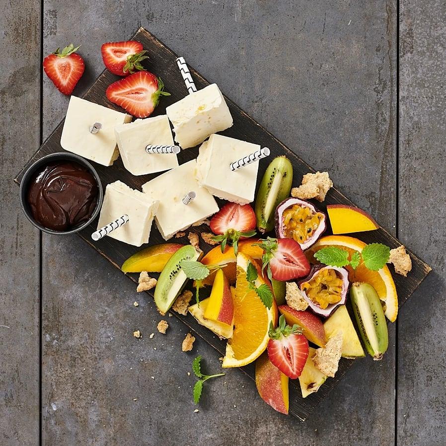 Fruktplanka med lemon curdglass och choklad
