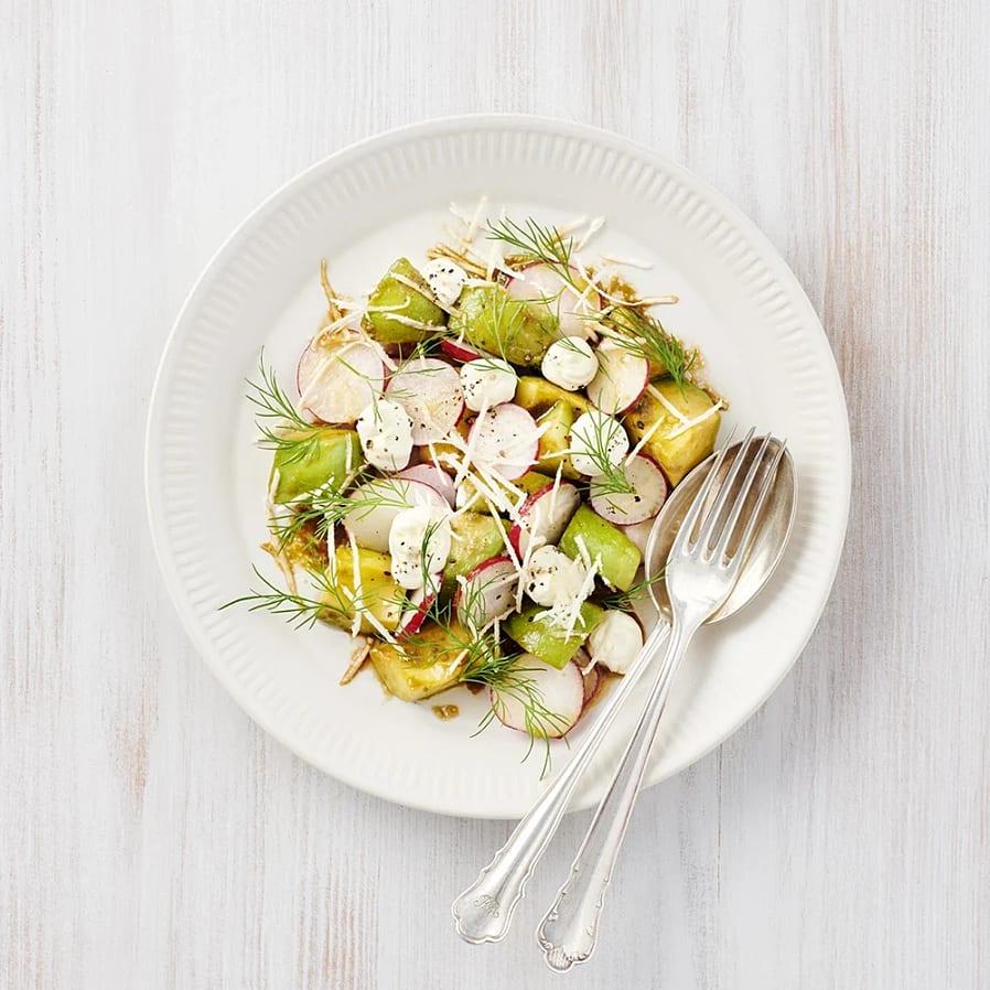 Avokadosallad med rädisor och pepparrot