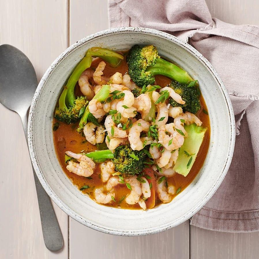 Räkor och broccoli i paneng curry