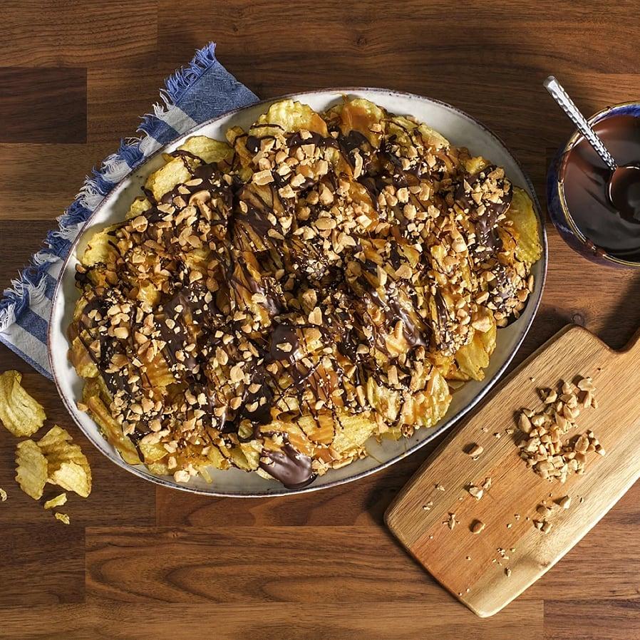 Chips med kola, choklad och salta jordnötter