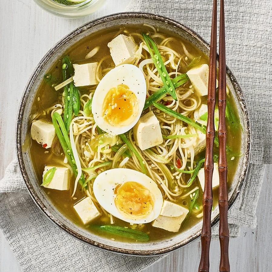 Ärtramen med tofu och böngroddar