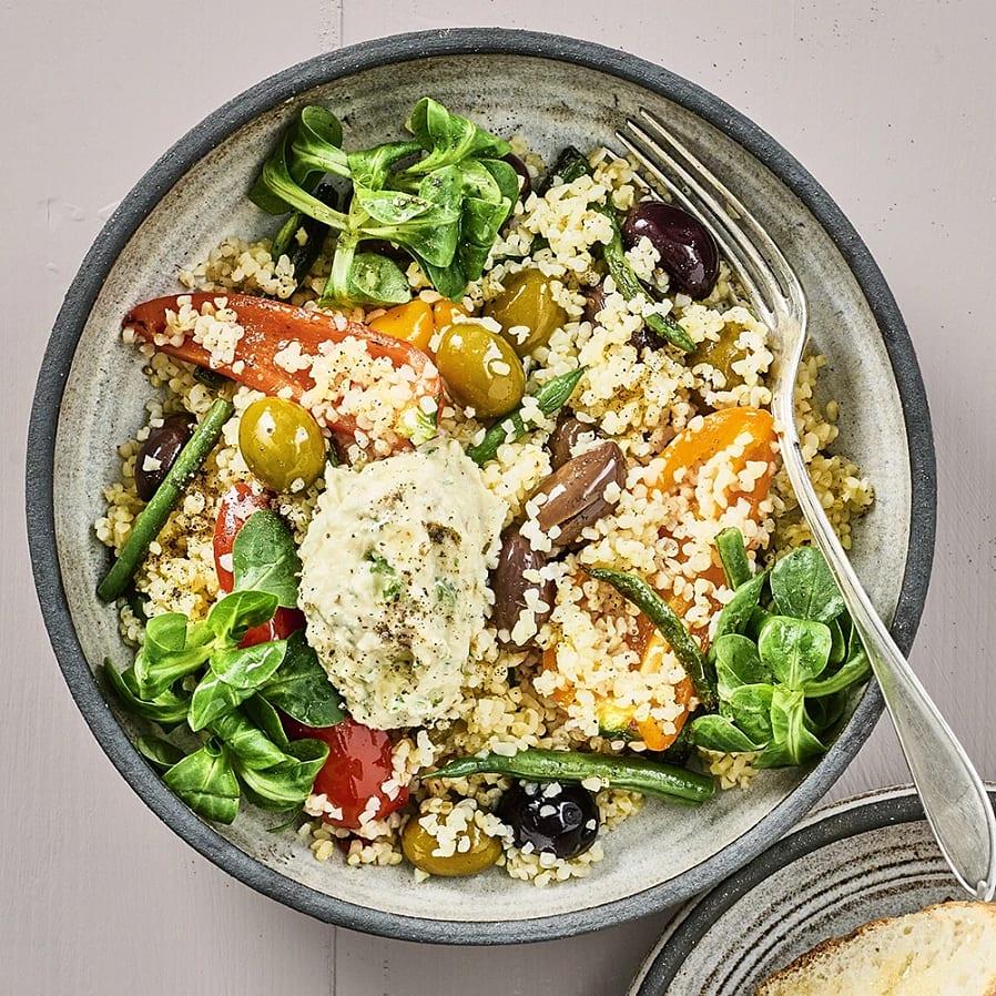 Grynsallad med oliver och kronärtskockskräm