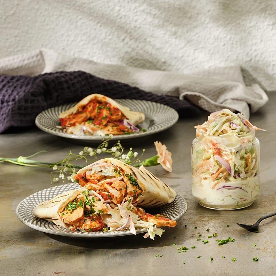 Kycklingkebab med ajvar relish och gurk-coleslaw