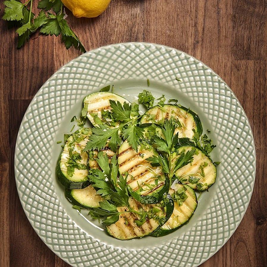 Grillad zucchini med persilja och citron