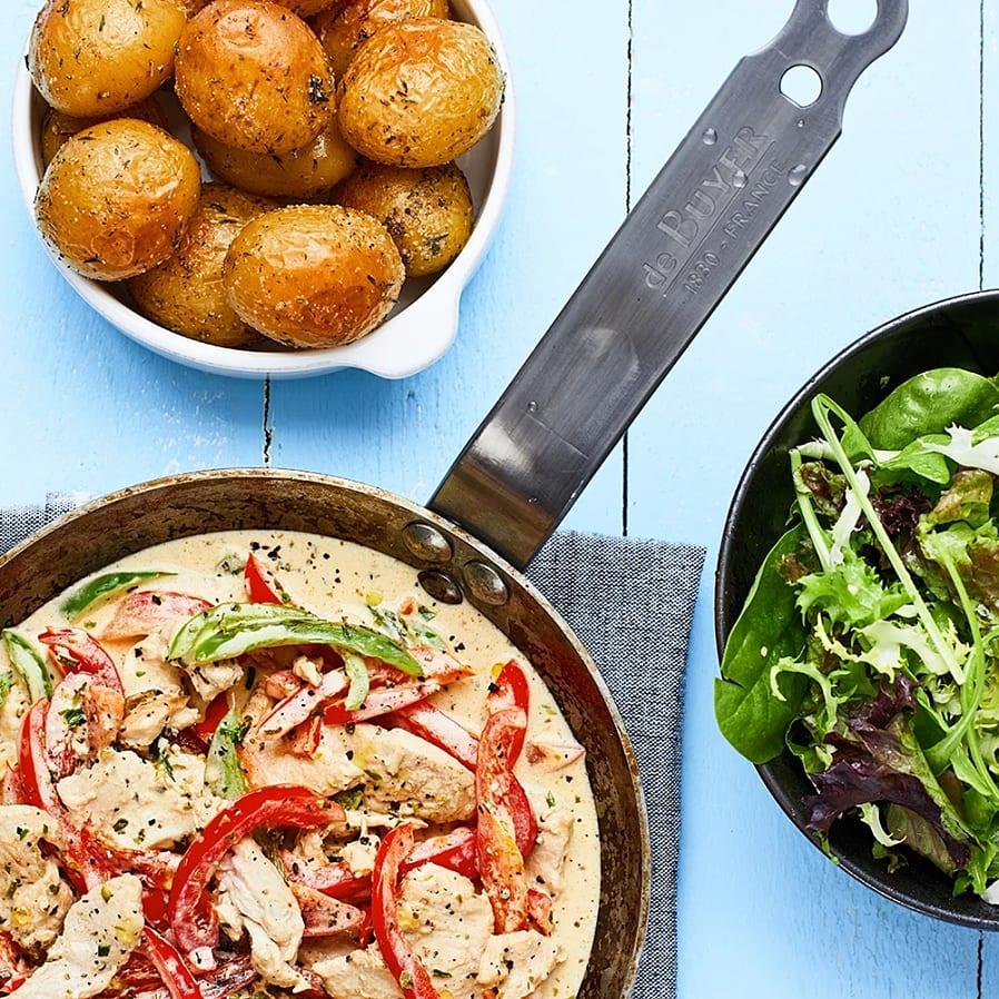 Kyckling- och paprikagryta med rostad potatis