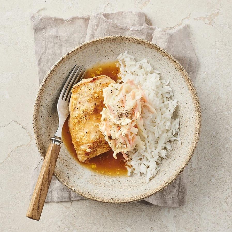 Sesamstekt kyckling med kålsallad