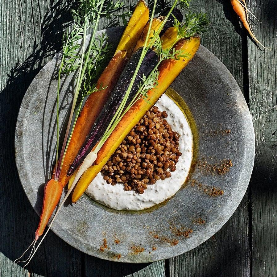 Rostade morötter med linser, fänkål och fläderyoghurt