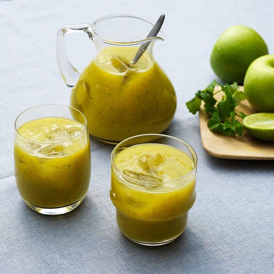 Äppeljuice med mango och citronmeliss