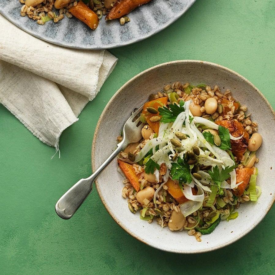 Matvetesallad med bönor och rostade morötter