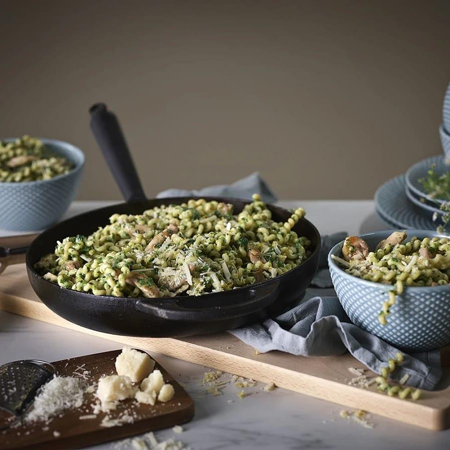 Kycklingpasta med spenat och parmesan