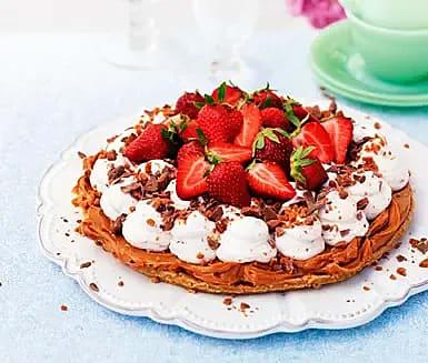 Koladröm med daimgrädde och jordgubbar
