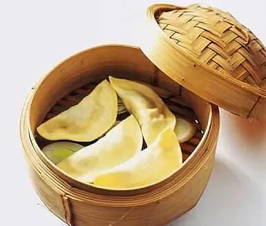 Asiatiska pastaknyten (variant på dumplings)
