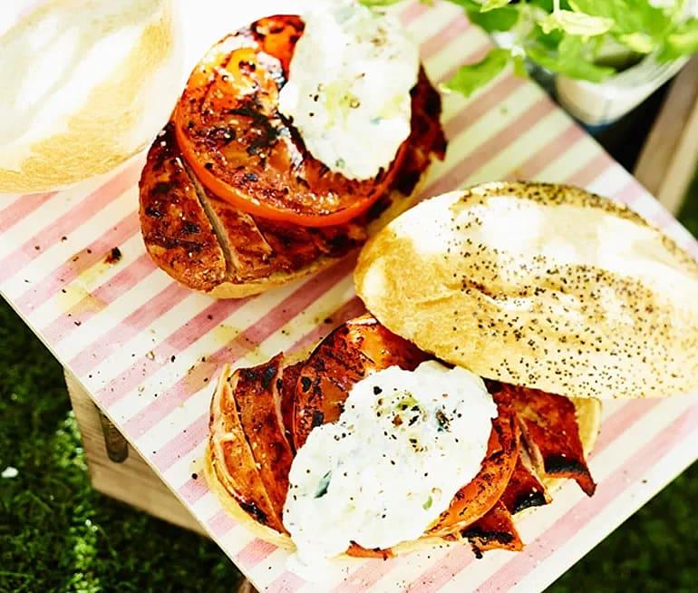 Grillad BBQ-kyckling med tzatziki