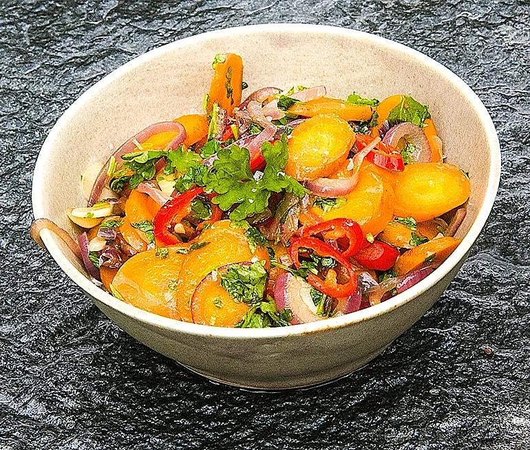 Smörfrästa morötter med vitlök och chili