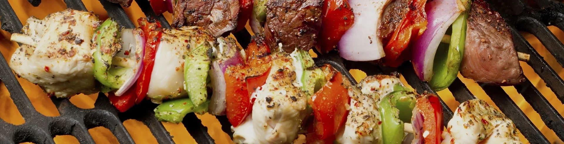 Grillade grönsaksspett med sting | Recept ICA.se