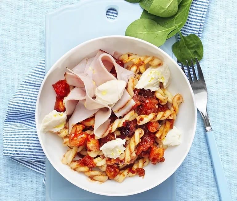 pasta mozzarella tomat spenat