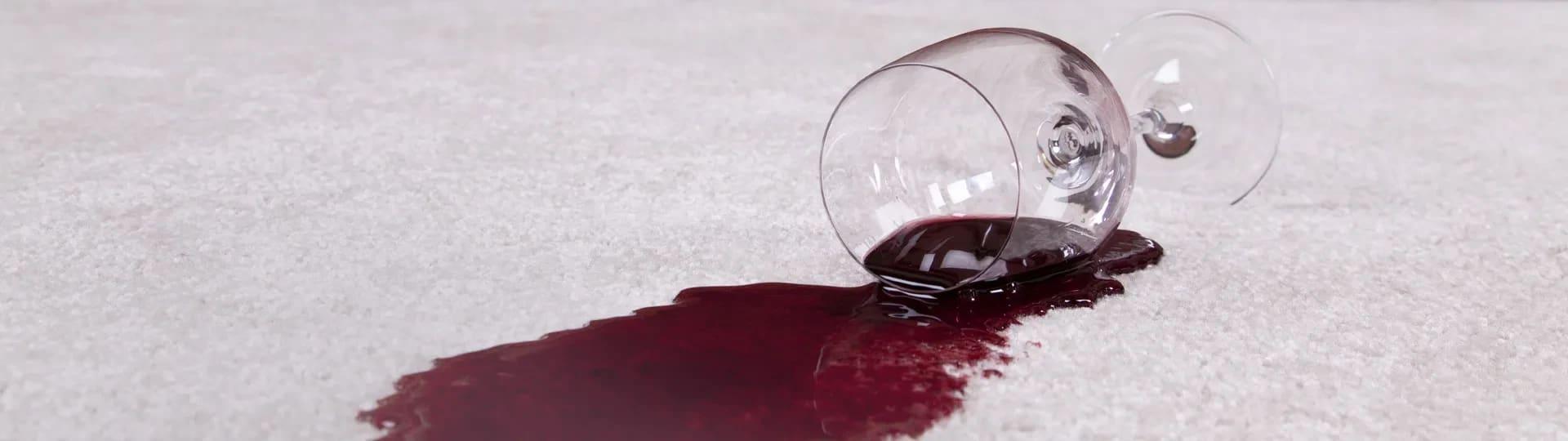 ta bort vinfläckar på duk
