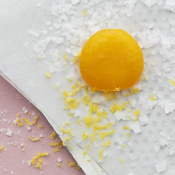 vad gör man med äggulor