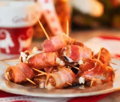 Getostfyllda dadlar med bacon | Recept ICA.se