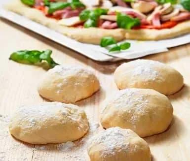 recept på pizzadeg