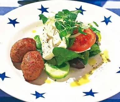 grekiska biffar med fetaost och oliver