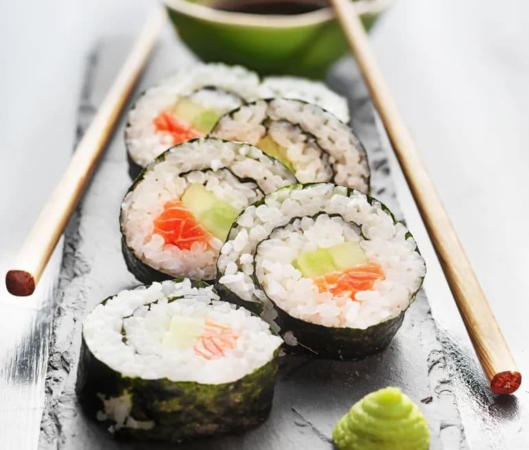hur mycket kalorier är det i sushi