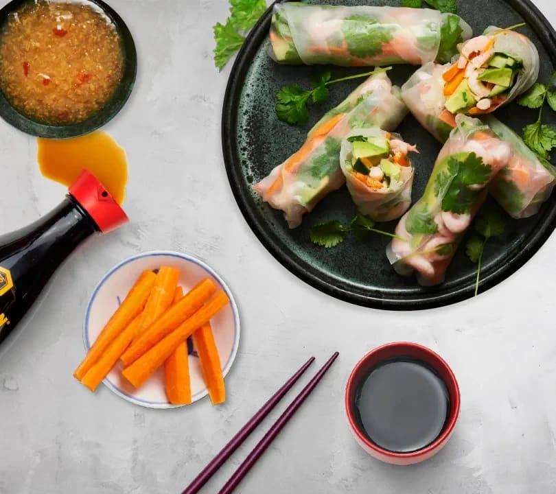 Vad ska vi äta idag? Vårrullar fyllda med morötter och avokado